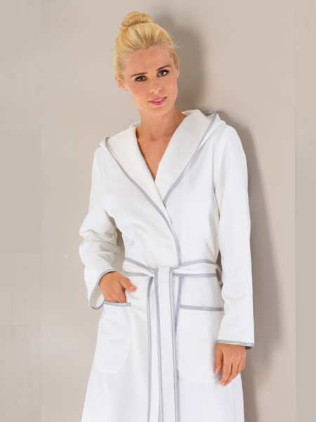 Edler Bademantel mit Kapuze für Damen weiß CAWÖ